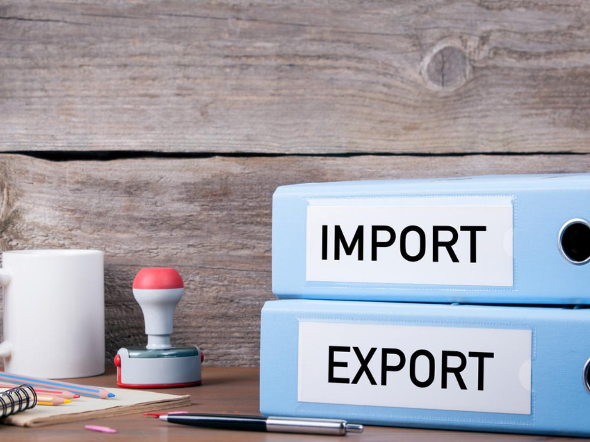 Kết quả hình ảnh cho nhân viên xuất nhập khẩu làm gì
