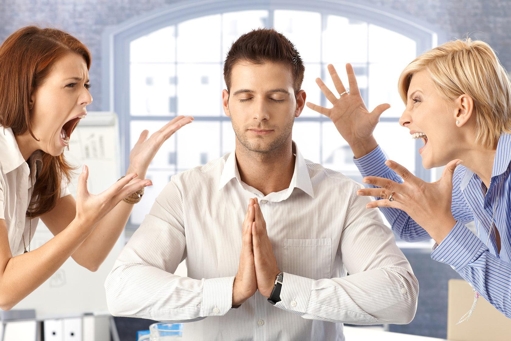 Cách kiểm soát cảm xúc hiệu quả khi làm việc để dễ dàng thành công hơn –  BizUni Kiến Thức Quản Trị