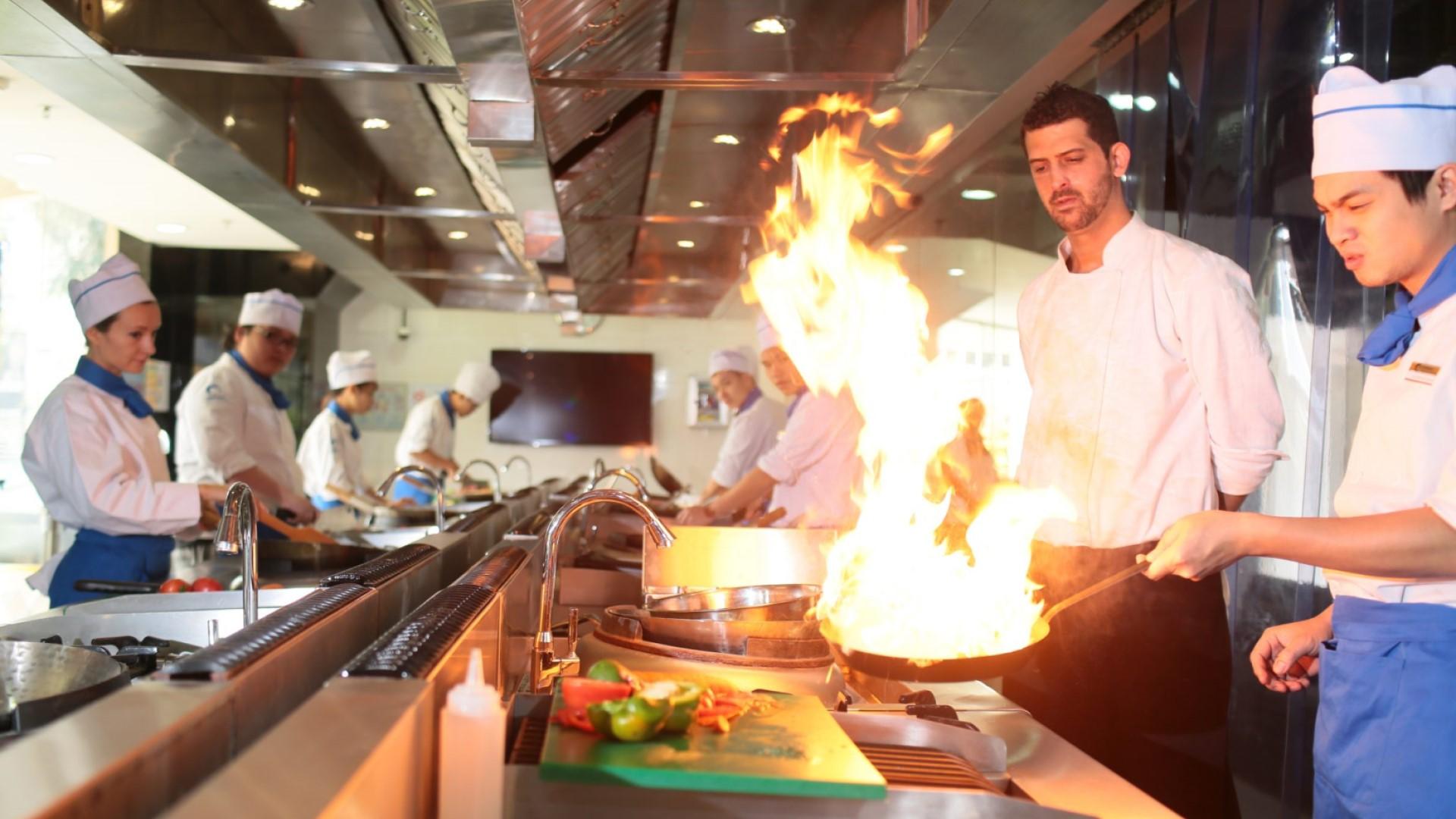 Cách quản lý bếp nhà hàng giúp tăng hiệu suất công việc